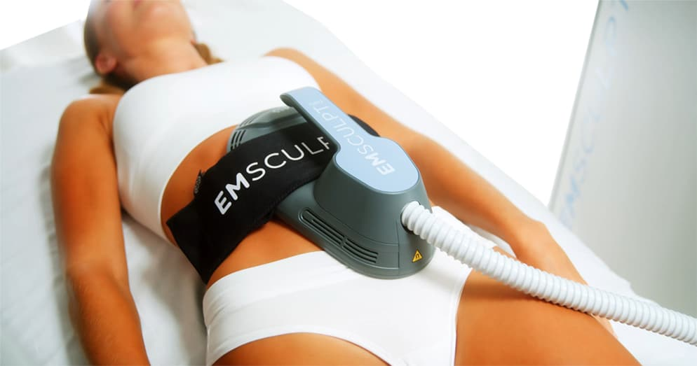 emsculpt-neo-pic-female-model-tummy