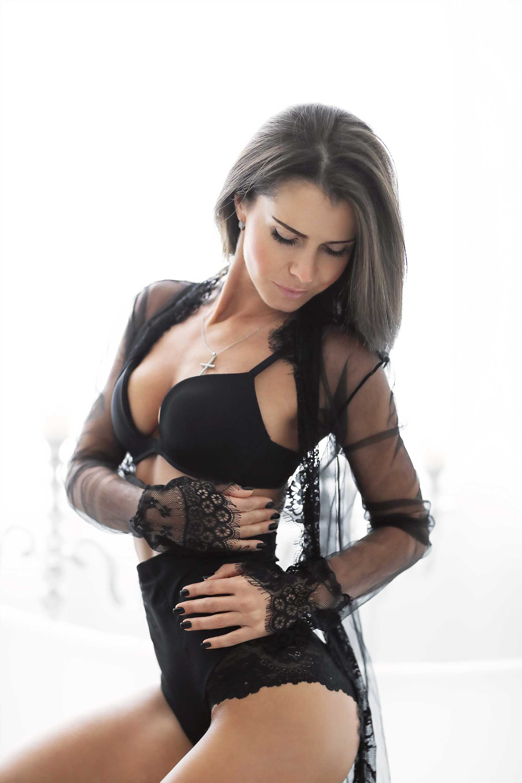 Brunette Woman with Breast Augmentation | Elite Plastic Surgery | Breast Lift | Phoenix, AZ