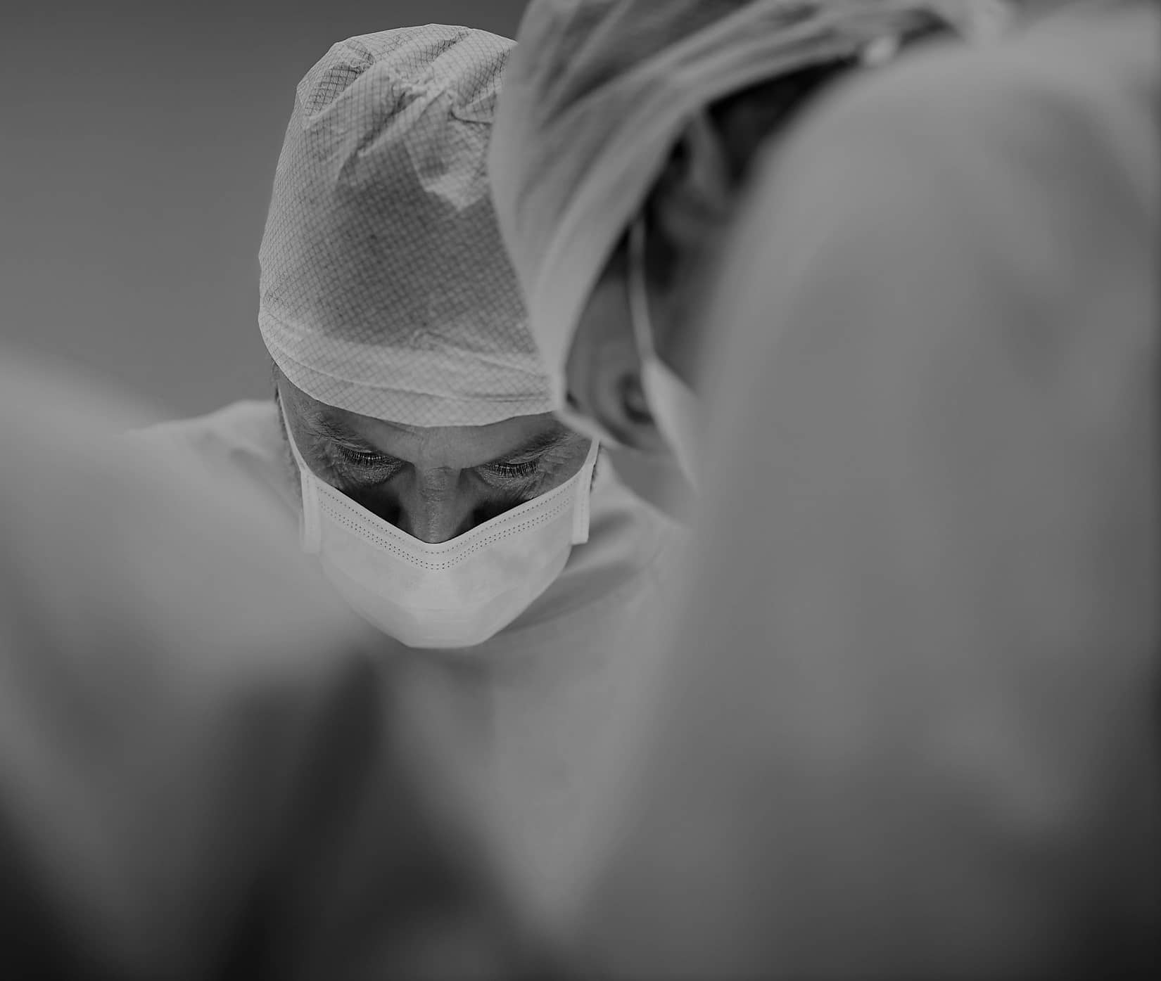 Surgeon image doing surgery | Elite Plastic Surgery | Plastic Surgery | Phoenix, AZ